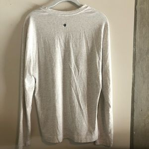 Lululemon Men's V-Neck Long Sleeve T-shirt